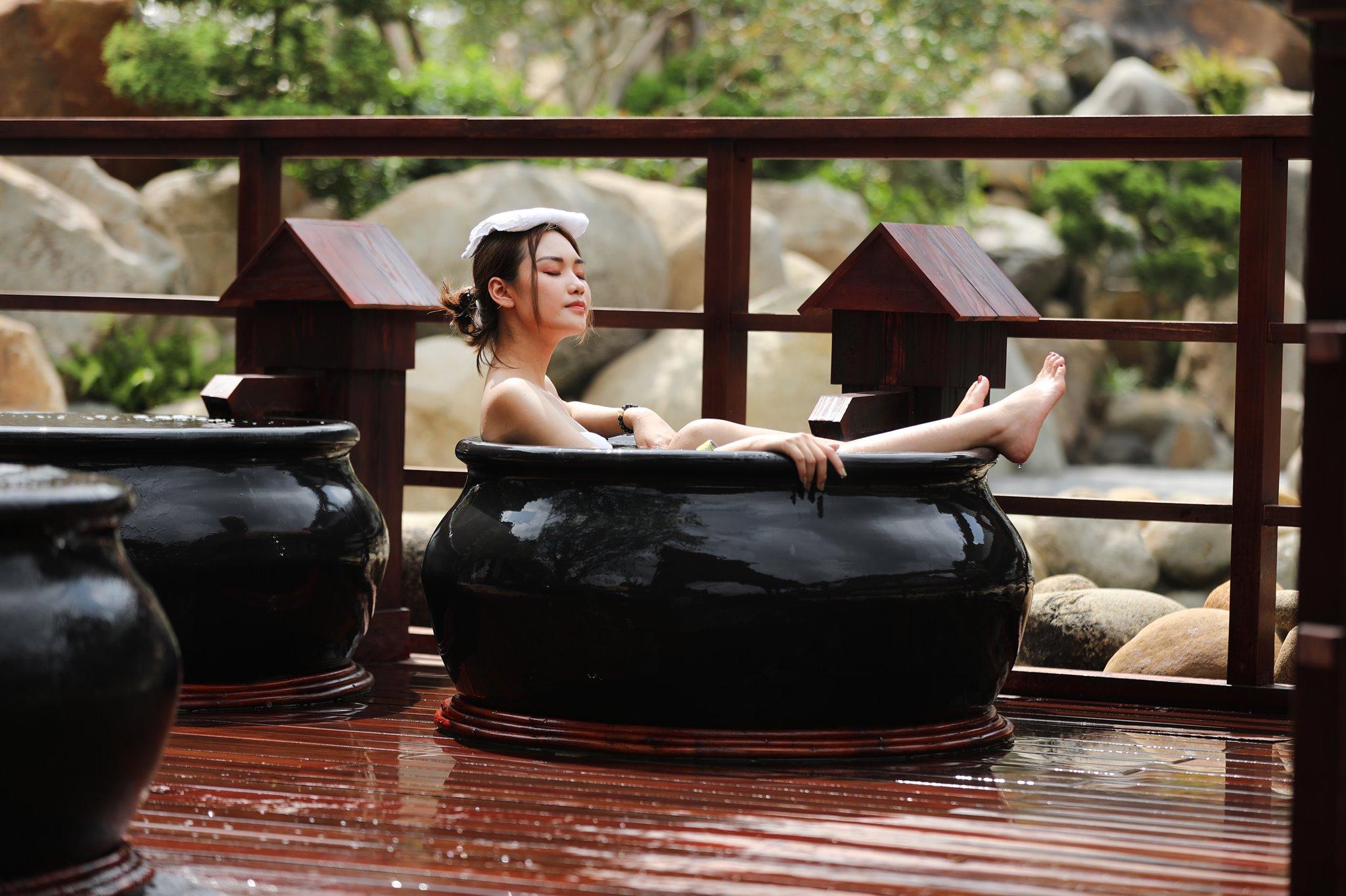 Yoko Onsen Quang Hanh